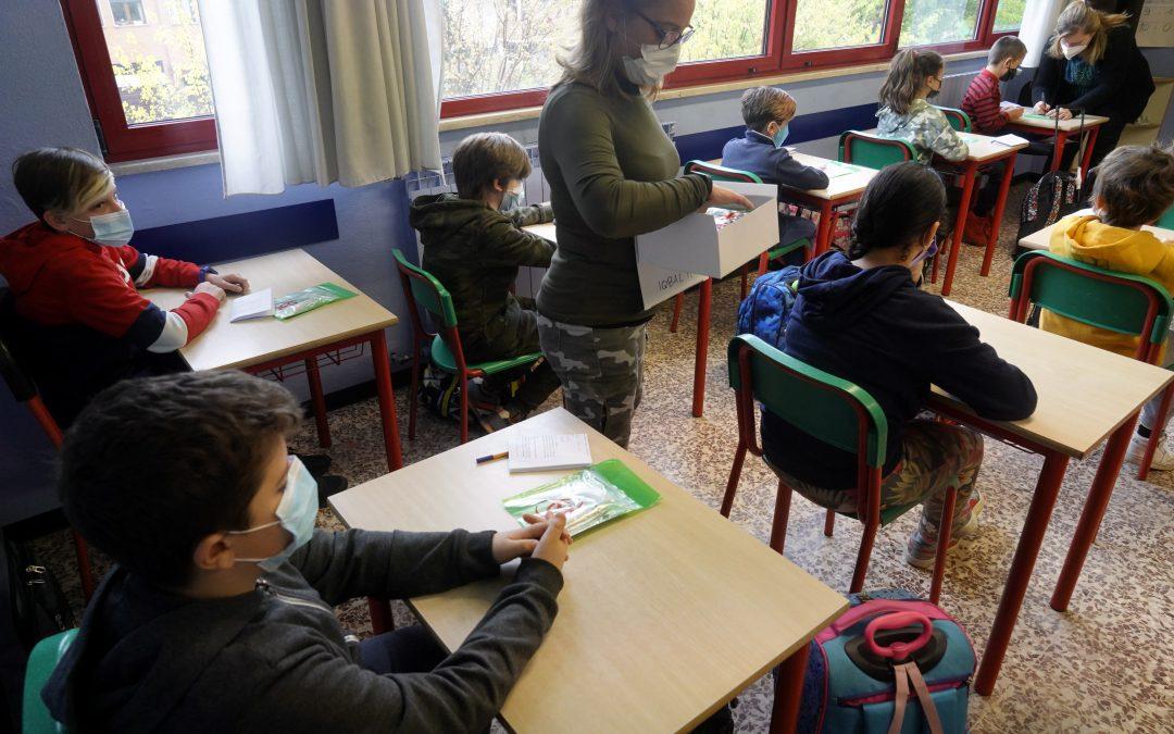 """Scuola. Sbarra a Bianchi: """"Lavoriamo nella responsabilità alla firma del Patto per la Scuola e l'Istruzione""""."""